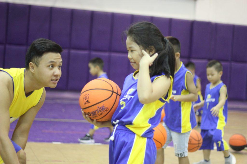 học bóng rổ